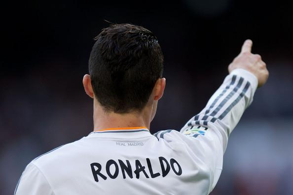 Cristiano Ronaldo se llevó el Balón de Oro 2013. Foto vía Zimbio.com