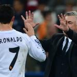 Ancelotti y Cristiano Ronaldo festejan el triunfo en Alemania. Foto de John McacDougall / AFP