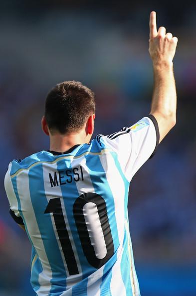 Messi festeja sus 27 años en pleno Mundial de Brasil. Foto de Ronald Martinez/Getty Images South America Vía Zimbio