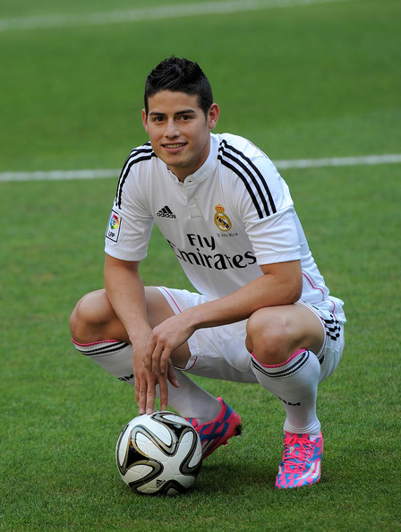 James Rodríguez, feliz, en su presentación en Real Madrid. Foto de Denis Doyle/Getty Images Europe / Vía Zimbio