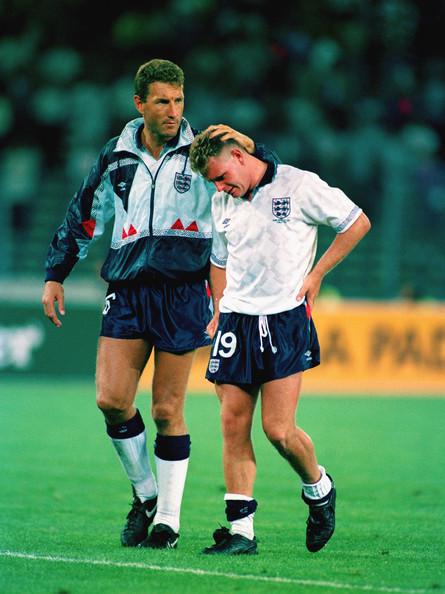 A pura lágrima, Gazza lamentó la eliminación contra Alemania, en las semis de Italia 90. Foto vía Zimbio.