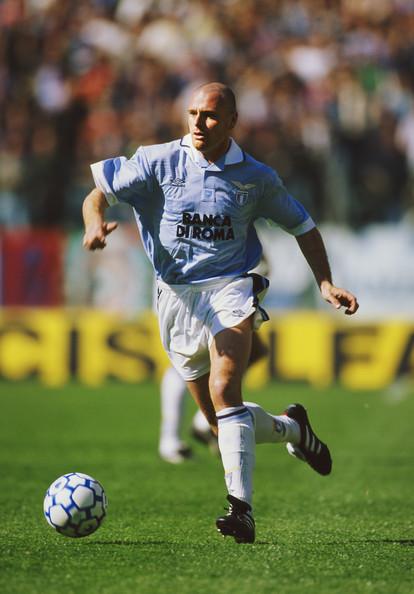 Su talento lo llevó al Calcio, donde jugó en Lazio. Foto Vía Zimbio.