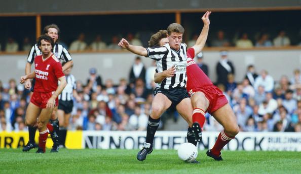 En abril de 1985, Gazza debutó en el fútbol inglés con Newcastle. Foto vía Zimbio