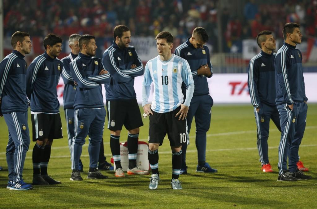 zzzznacd2 NOTICIAS ARGENTINAS SANTIAGO DE CHILE, JULIO 4: Jugadores al terminar la final de la Copa America. Foto NA: Jose Brusco zzzz