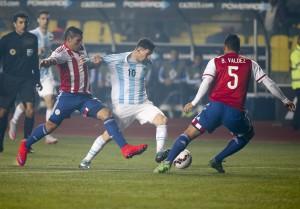 zzzznacd2 NOTICIAS ARGENTINAS CONCEPCIÓN, CHILE, JUNIO 30: Escena del partido jugado entre las selecciones de Argentina y Paraguay correspondiente a la semifinal de la Copa America.FOTO NA: JOSE BRUSCO-DPzzzz
