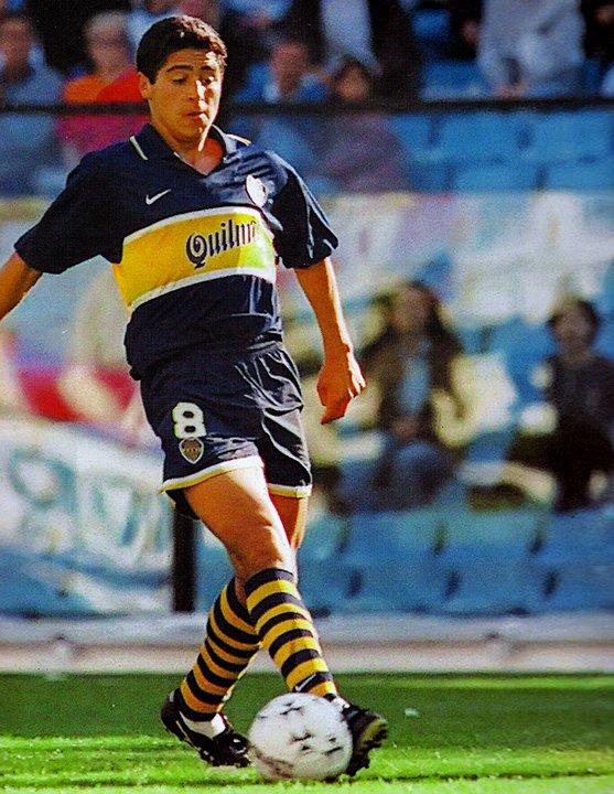 Riquelme y su fina estampa, en el debut contra Unión. Hace 20 años, comenzaba a dejar su huella en Boca.